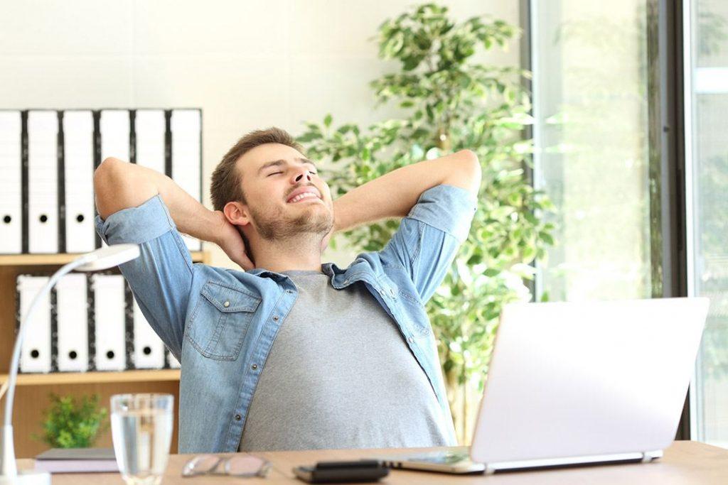 jump-squat-10-Mins-Exercises-At-Work-5-Ab-Vacuum