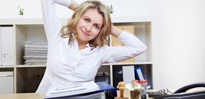 Feature-Image-10-Mins-Exercises-At-Work