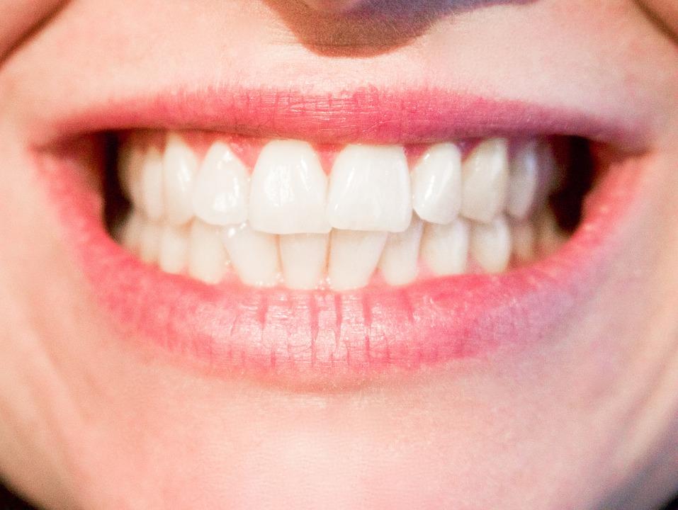 Whiten Your Dentures