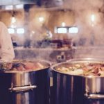 A Healthy and Delicious Life: The Beginner's Guide to Bone Broth