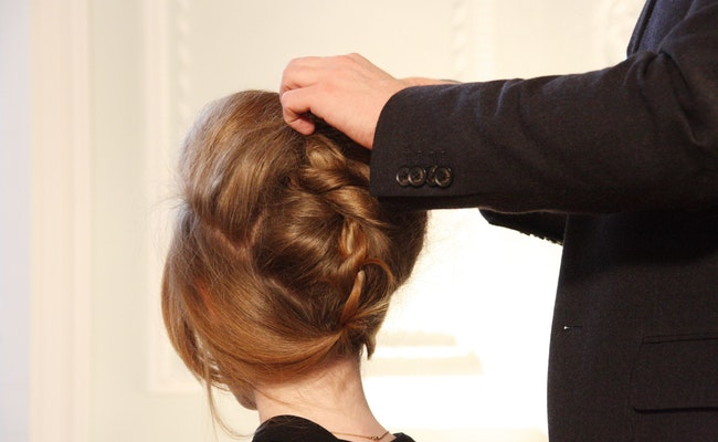5 Should-Know Fundamentals Earlier than Going To A Hair And Magnificence Salon