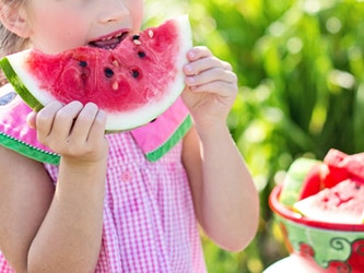 Children Eating Healthily Featured Image