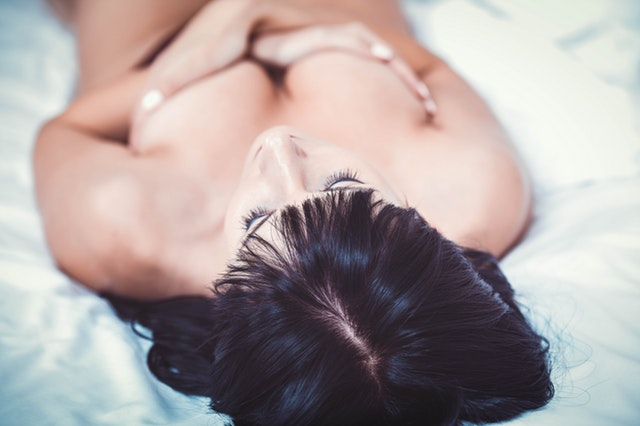 Gorgeous black naked ass