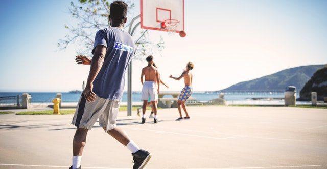 Athletes-ball-basketball