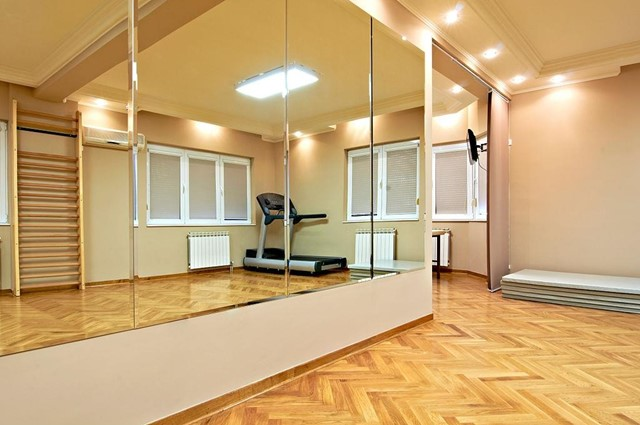 fitness mirror different from ordinary mirrors